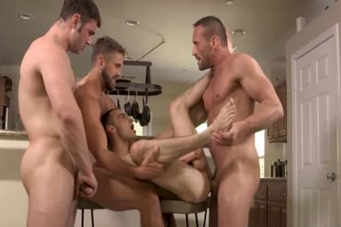 Myles Landon, Wesley Woods, Michael Bolton & Joe Ex pounding bare